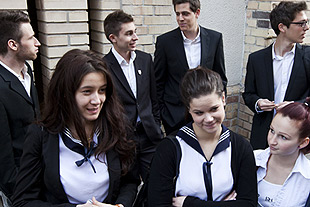 Forrs: Plyi Zsfia